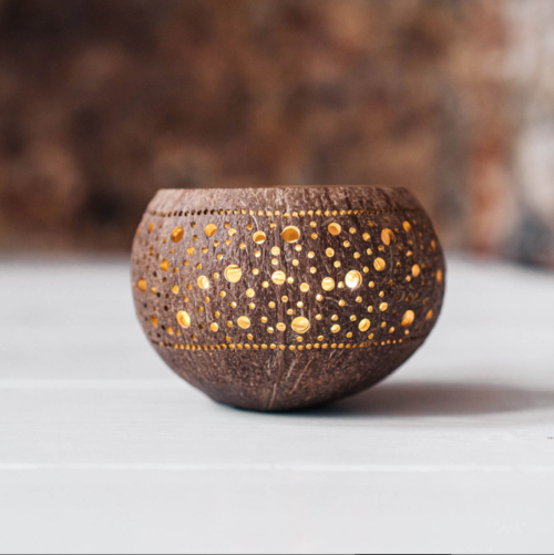 fullmoon candleholder made from coconut