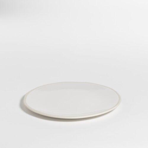 groot wit bord in melkkleur